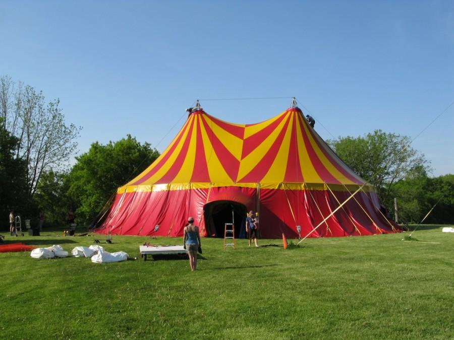 CIRCUS TENT BUILD – Old School Circus Rigging – DangerBoy