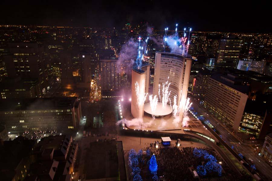 Perayaan Tradisi Natal Paling Unik, tema natal. info unik, malam natal, tradisi natal di seluruh dunia, cavalcade of lights toronto